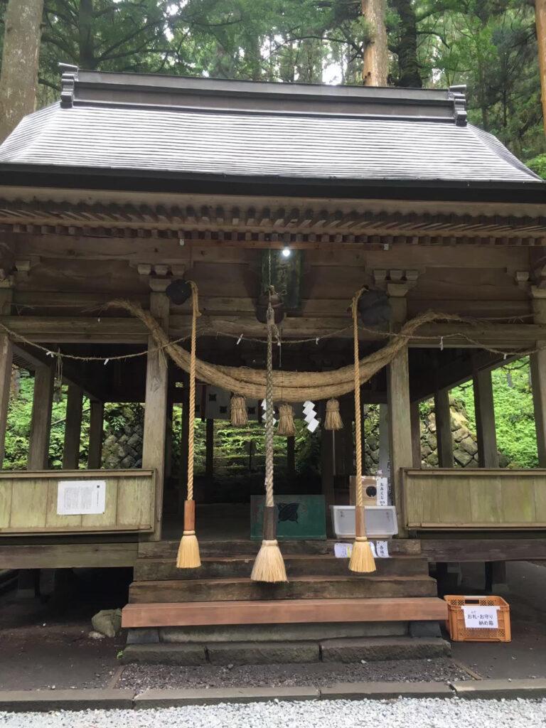 上色見熊野座神社拝殿